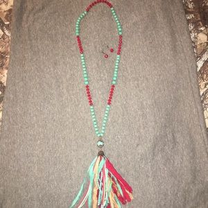 Jewelry - Glass bead fringe necklace set